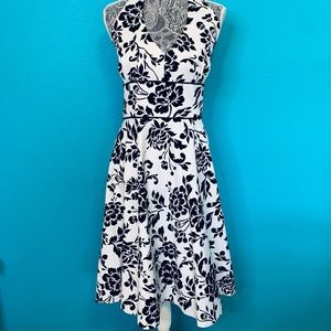 Jessica Howard B&W Fit and Flare Floral Dress